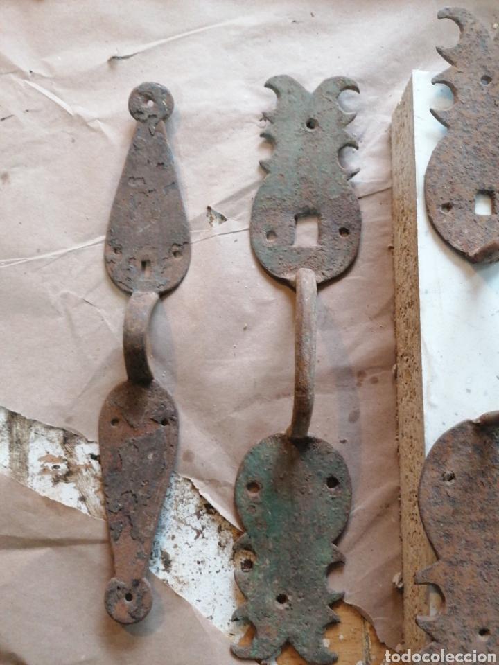 Antigüedades: Lote de tiradores de puertas antiguas - Foto 2 - 233479925