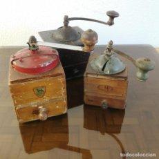 Antigüedades: LOTE 3 MOLINILLOS DE CAFE ANTIGUOS MARCA ELMA Y PEUGOT FRANCIA DESDE FINALES S XIX HASTA AÑOS 30. Lote 233716605