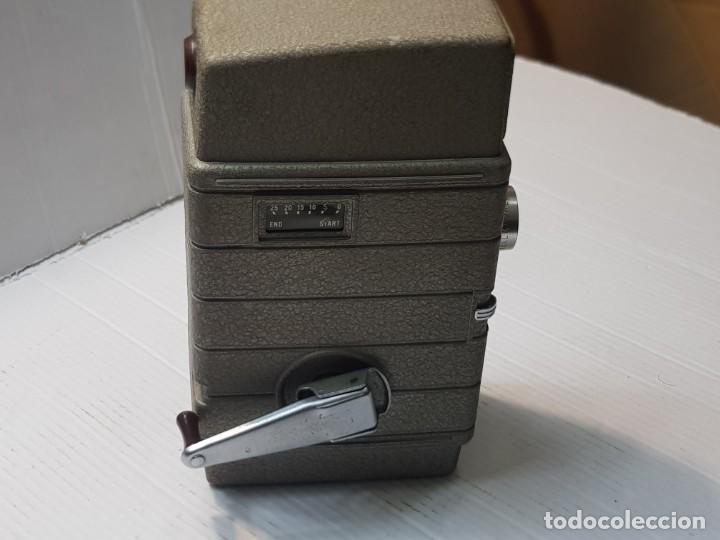 Antigüedades: Cámara Cine-Tomavistas Bell & Howell modelo Two Twenty 8mm funcionando - Foto 2 - 233794245