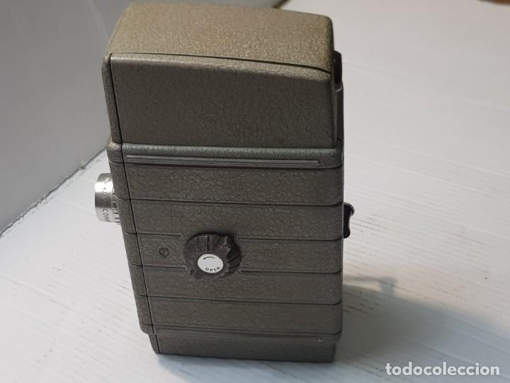 Antigüedades: Cámara Cine-Tomavistas Bell & Howell modelo Two Twenty 8mm funcionando - Foto 3 - 233794245