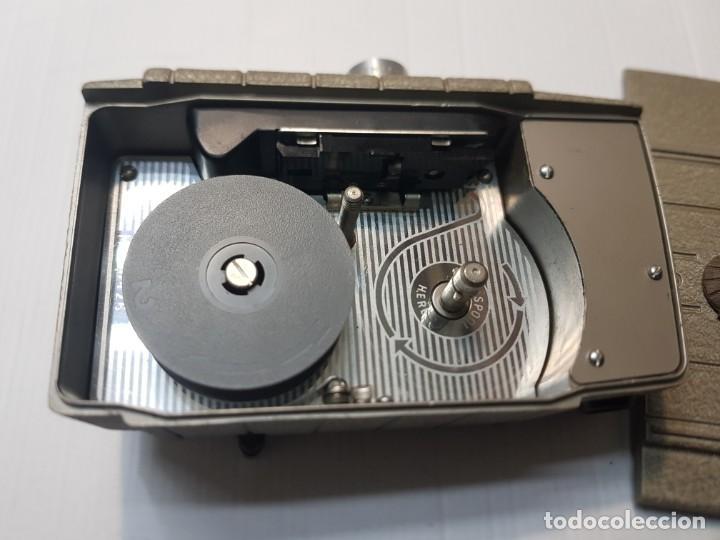 Antigüedades: Cámara Cine-Tomavistas Bell & Howell modelo Two Twenty 8mm funcionando - Foto 7 - 233794245