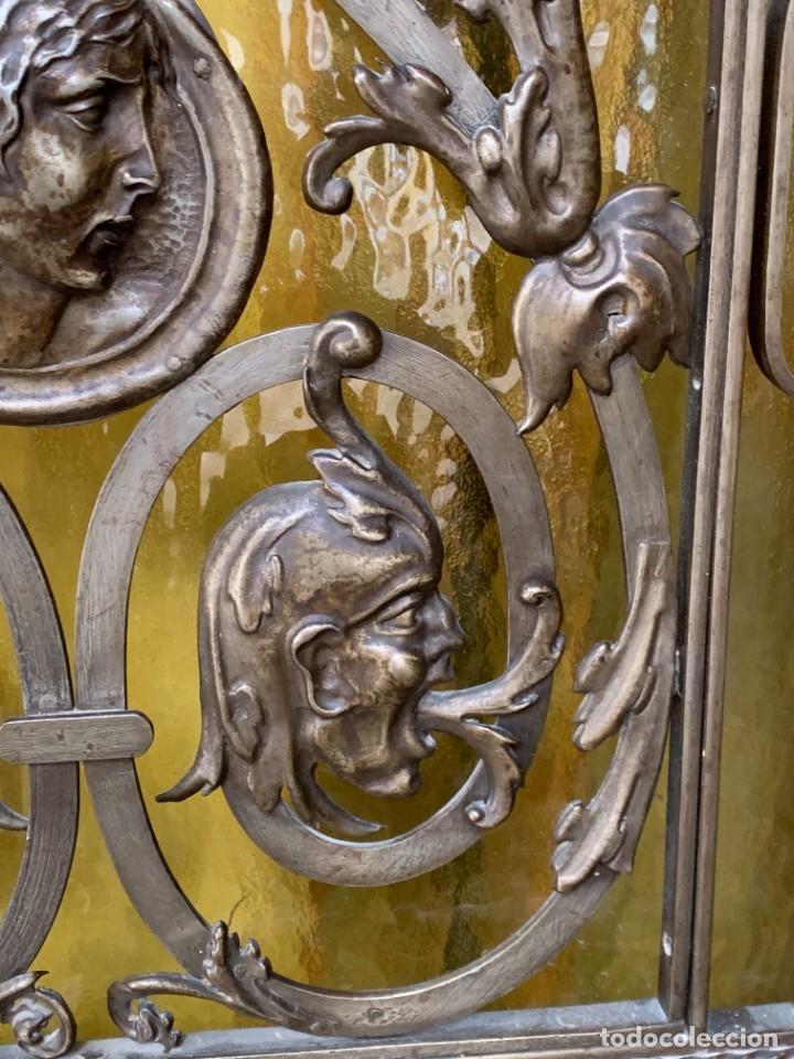 Antigüedades: PUERTA DE PASILLO MADERA TALLADA Y FORJA MEDALLONES Y GRIFOS TOLEDO CALIDAD 191X74X5C - Foto 25 - 233811905