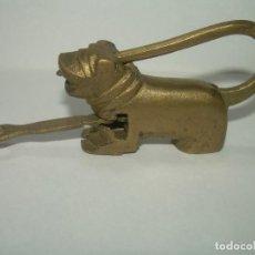 Antigüedades: ANTIGUO CANDADO DE BRONCE.. Lote 233893550