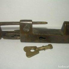 Antigüedades: ANTIGUO CANDADO DE BRONCE.. Lote 233893855