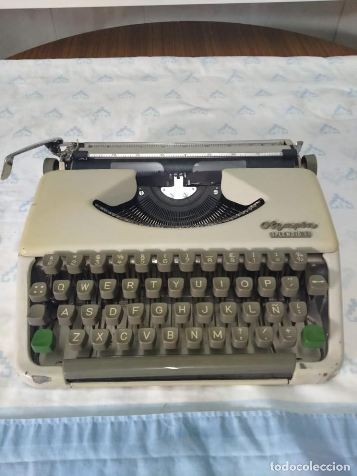 MÁQUINA DE ESCRIBIR OLYMPIA SPLENDID 33 (Antigüedades - Técnicas - Máquinas de Escribir Antiguas - Olympia)