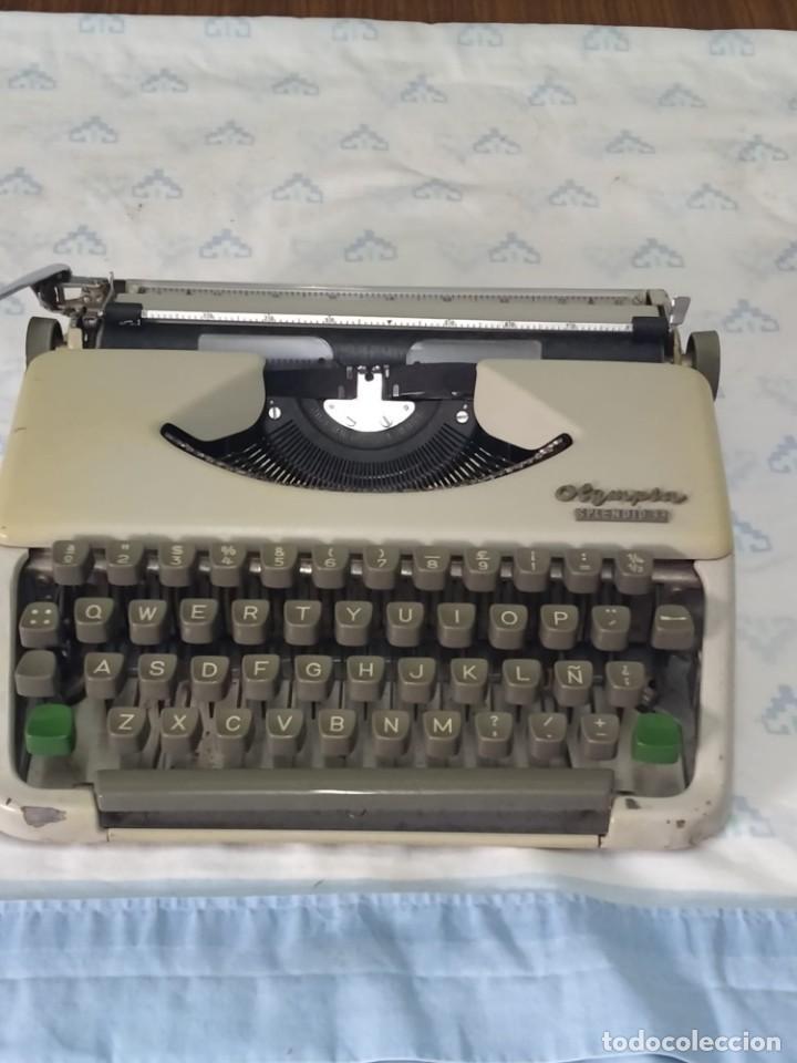 Antigüedades: Máquina de escribir Olympia Splendid 33 - Foto 2 - 233919375