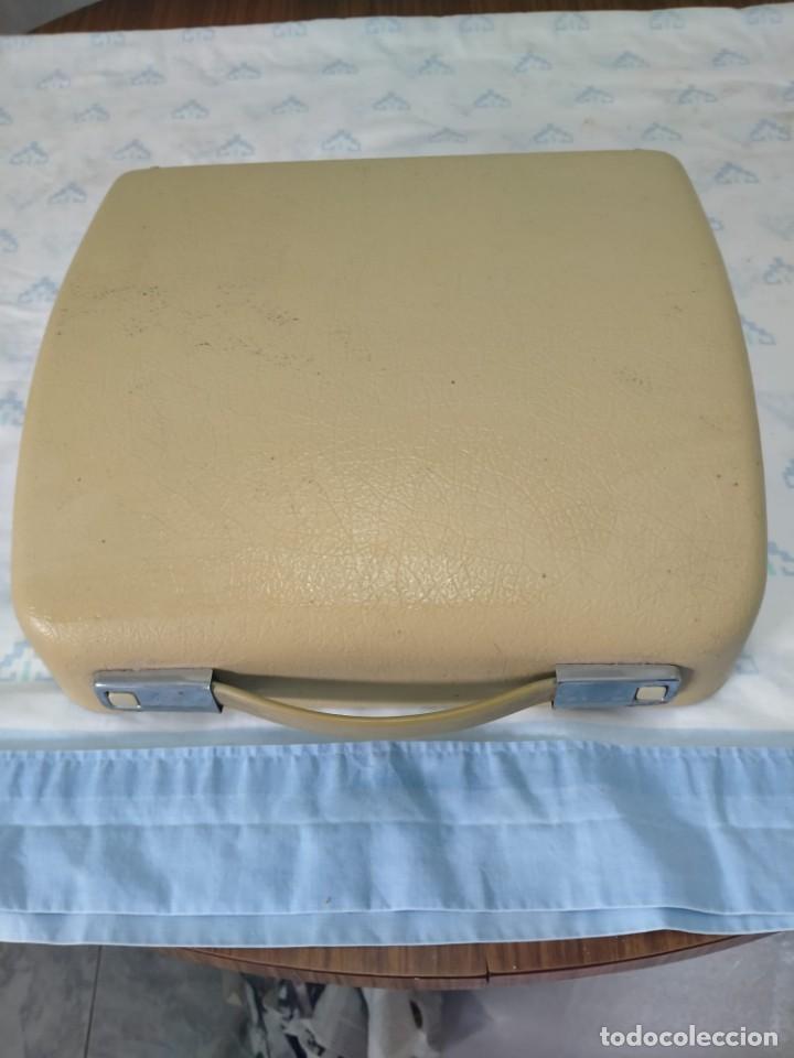 Antigüedades: Máquina de escribir Olympia Splendid 33 - Foto 4 - 233919375