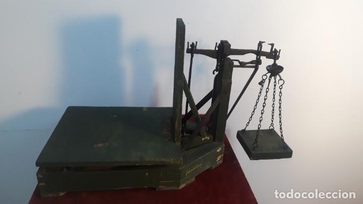 MUY RARO PESO COMO LOS DE CAPAZOS PERO EN MINIATURA (Antigüedades - Técnicas - Medidas de Peso - Básculas Antiguas)
