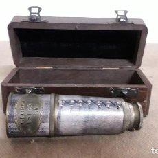 Antiquités: CATALEJO DE CUERO COSIDO EN SU CAJA DE MADERA ,MARCA GEORGE AUSTRALIA 1901. Lote 234401810