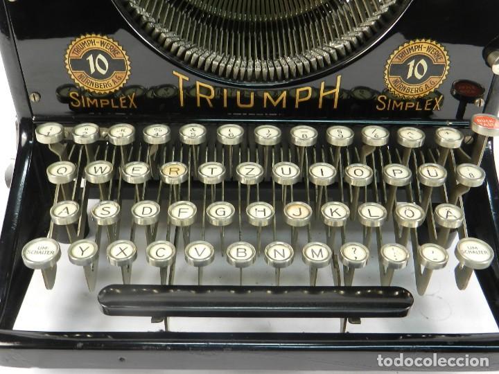 Antigüedades: MAQUINA DE ESCRIBIR TRIUMPH Nº10 SIMPLEX AÑO 1925 TYPEWRITER SCHREIBMASCHINE - Foto 4 - 234450480