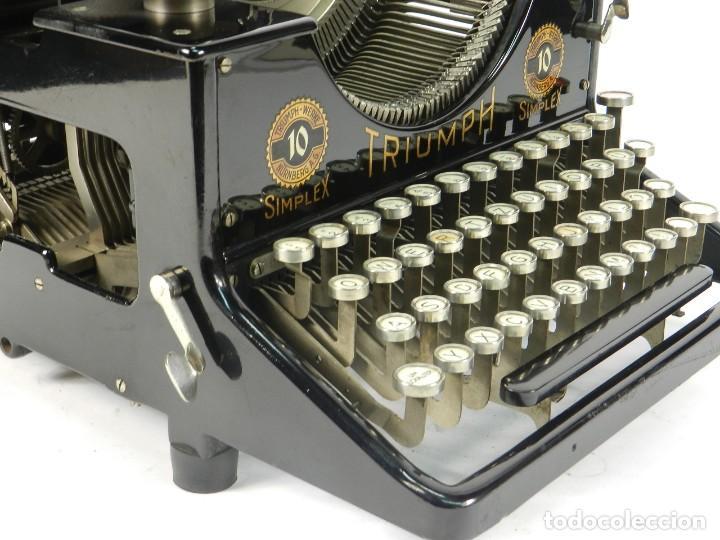 Antigüedades: MAQUINA DE ESCRIBIR TRIUMPH Nº10 SIMPLEX AÑO 1925 TYPEWRITER SCHREIBMASCHINE - Foto 8 - 234450480