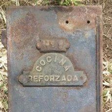 Antigüedades: ANTIGUA PLANCHA DE HIERRO PARA COCINA REFORZADA / PIEZA DE MUSEO Y ETNOGRÁFICA /// LEÑA CHIMENEA. Lote 234553415