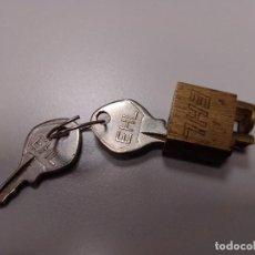 Antigüedades: CANDADO PARA TELEFONO DE ROSCA. Lote 234621310
