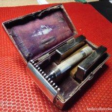 Antigüedades: MAQUINILLA DE AFEITAR GILLETTE OLD TYPE SET 460B ?? MADE IN USA PARA EXPORTACION G DENTRO DE D. Lote 234642375