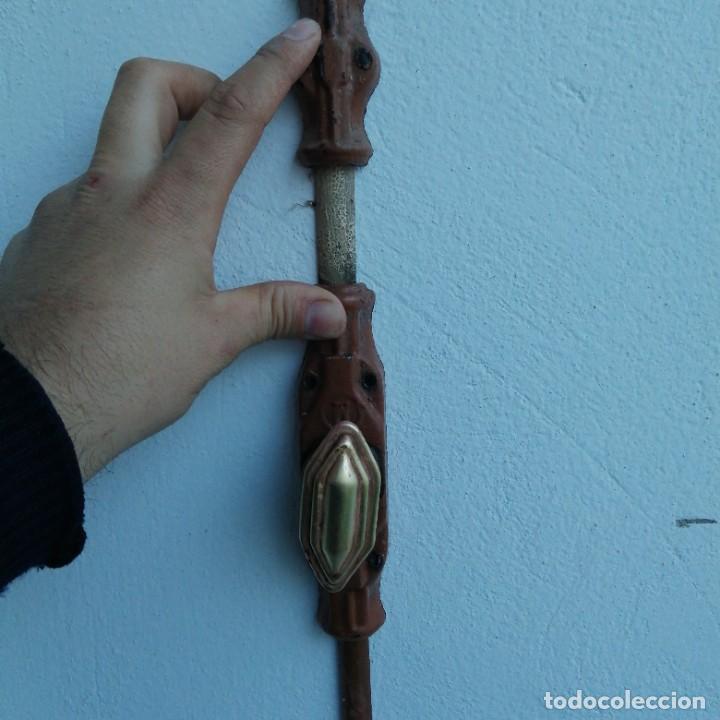 Antigüedades: Cerradura tirador pomo UNIÓN CERRAJERA MONDRAGON hierro bronce para ventana cerrojo manivela FALLEBA - Foto 5 - 234707230