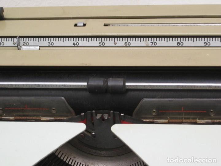 Antigüedades: Antigua maquina escribir Erika Daro. 16kg. - Foto 5 - 235245100