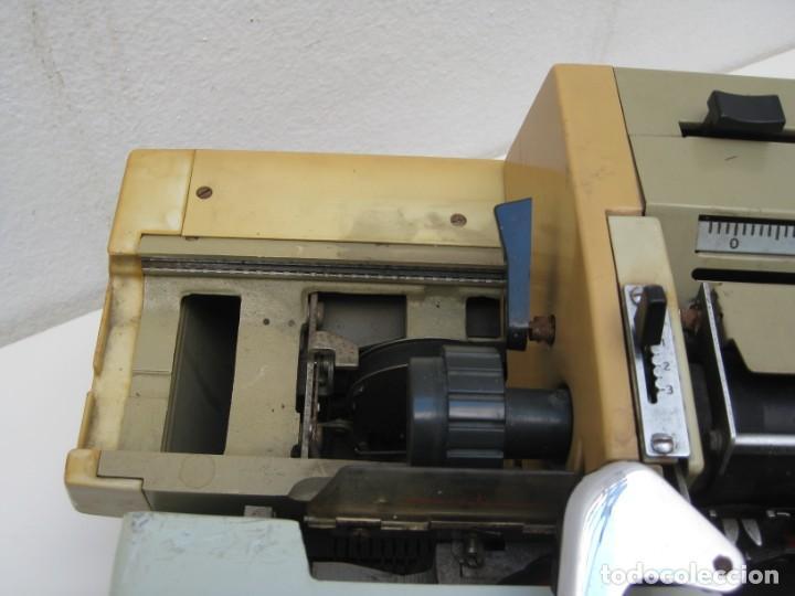 Antigüedades: Antigua maquina escribir Erika Daro. 16kg. - Foto 10 - 235245100