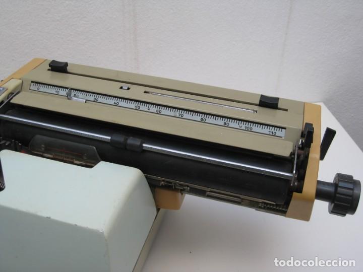 Antigüedades: Antigua maquina escribir Erika Daro. 16kg. - Foto 12 - 235245100