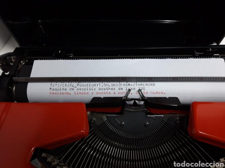 Antigüedades: Maquina de escribir brother DELUXE 220 - Foto 2 - 235259915