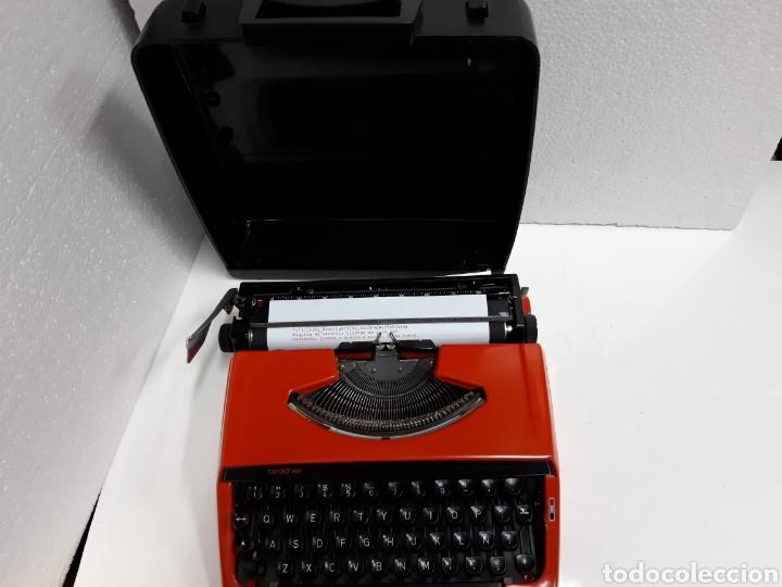 Antigüedades: Maquina de escribir brother DELUXE 220 - Foto 3 - 235259915