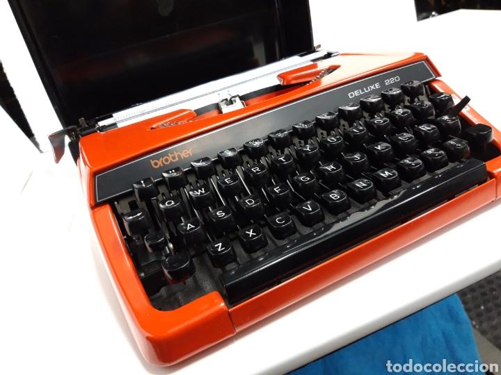Antigüedades: Maquina de escribir brother DELUXE 220 - Foto 6 - 235259915