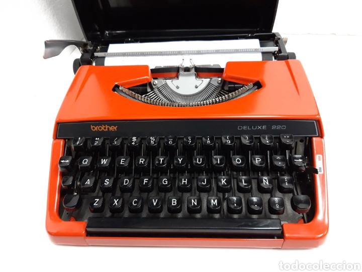 MAQUINA DE ESCRIBIR BROTHER DELUXE 220 (Antigüedades - Técnicas - Máquinas de Escribir Antiguas - Otras)