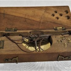 Antigüedades: ANTICA BILANCIA DA VIAGGIO FRANCESE PESA MONETE - ORIGINALE. Lote 235349820
