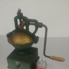 Antigüedades: MOLINO CAFÉ PEUGEOT A2 [PEUGEOT A2 COFFE GRINDER]. Lote 235551760