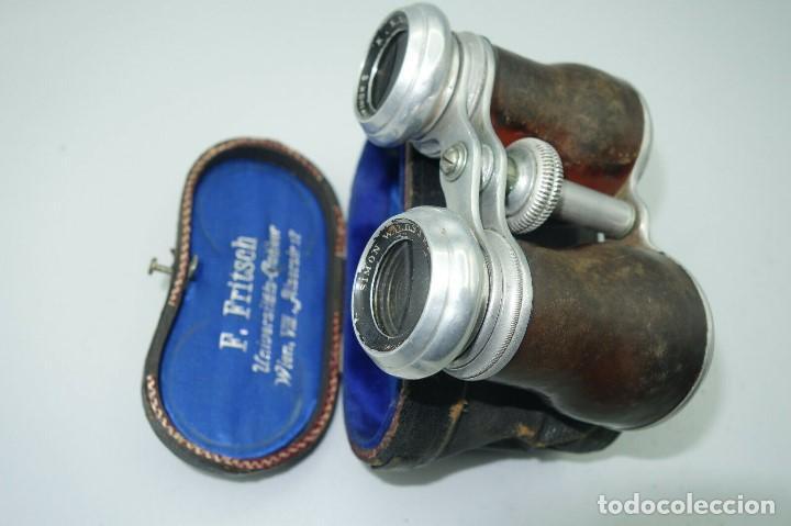 Antigüedades: Antiguos binoculares / prismáticos de ópera. Con funda de piel. Óptico de Viena (Austria) - Foto 5 - 235560690