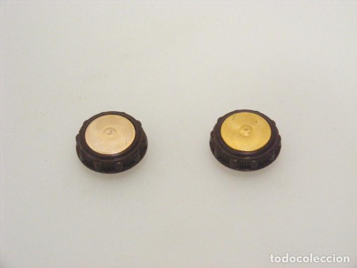 2 BOTONES DE MANDO PARA RADIO ANTIGUA - BUEN ESTADO - VER FOTOS. (Antigüedades - Técnicas - Máquinas de Coser Antiguas - Complementos)