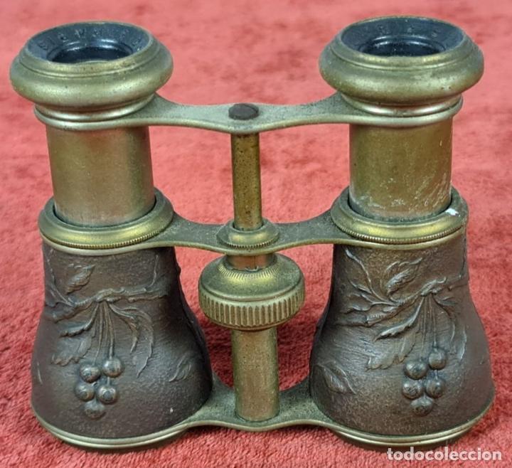 Antigüedades: BINOCULARES DE ÓPERA. CHEVALIER. PARIS. METAL CON RELIEVES. PRICIPIOS SIGLO XX. - Foto 2 - 235634130