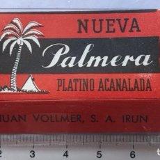 Antigüedades: CA CU 10 CAJA VACÍA Y CUCHILLA DE AFEITAR NUEVA PALMERA PLATINO ACANALADA MODELO 10 HOJA. Lote 235705095