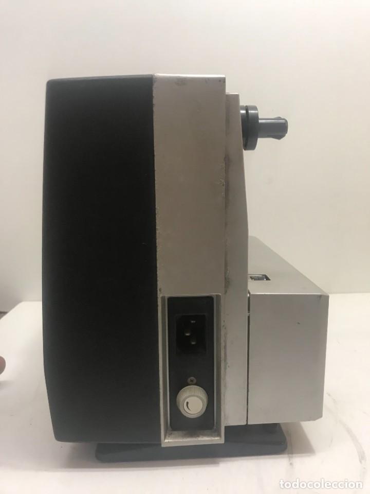 Antigüedades: PROYECTOR DE SUPER 8 SOUND. NO TESTEADO - Foto 4 - 235712185