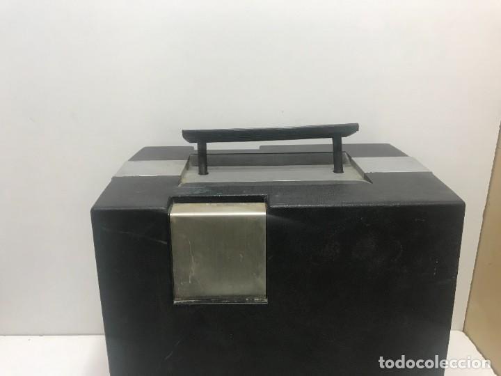 Antigüedades: PROYECTOR DE SUPER 8 SOUND. NO TESTEADO - Foto 10 - 235712185