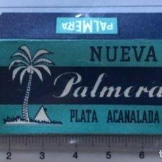 Antigüedades: CA CU 15 CAJA VACÍA Y CUCHILLA DE AFEITAR NUEVA PALMERA PLATA ACANALADA MODELO 15 HOJA. Lote 235725605