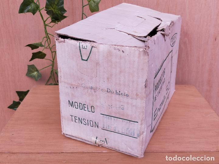 Antigüedades: PROYECTOR ENOSA EN CAJA - Foto 2 - 235804160