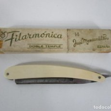 Antigüedades: NAVAJA DE AFEITAR FILARMÓNICA 14, DOBLE TEMPLE - JOSÉ MONTSERRAT POU. Lote 235918475
