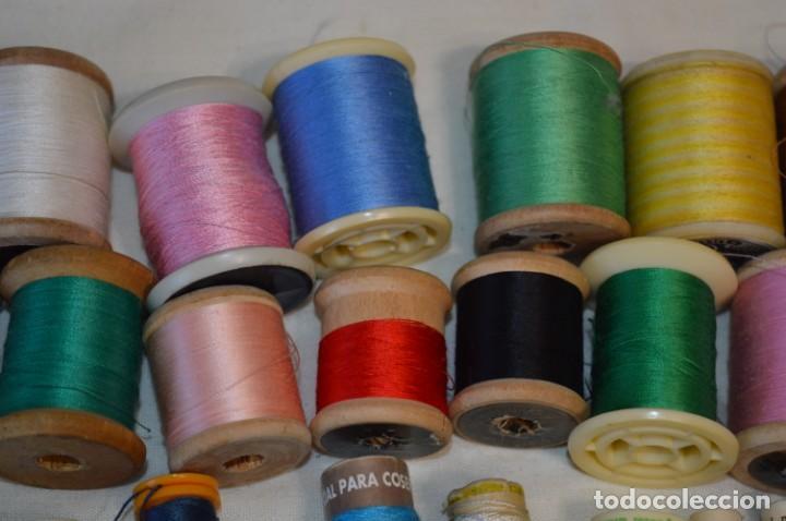 Antigüedades: Antiguas / Vintage - Lote BOBINAS de HILO variadas / Para coser, bordar, ojalar y otras ¡Mira fotos! - Foto 3 - 235933315