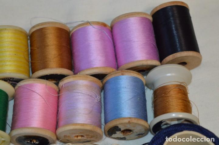 Antigüedades: Antiguas / Vintage - Lote BOBINAS de HILO variadas / Para coser, bordar, ojalar y otras ¡Mira fotos! - Foto 5 - 235933315