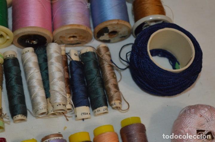 Antigüedades: Antiguas / Vintage - Lote BOBINAS de HILO variadas / Para coser, bordar, ojalar y otras ¡Mira fotos! - Foto 8 - 235933315