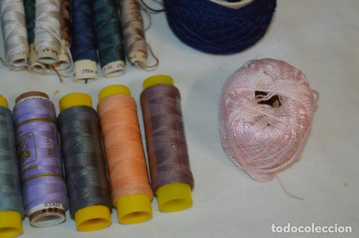 Antigüedades: Antiguas / Vintage - Lote BOBINAS de HILO variadas / Para coser, bordar, ojalar y otras ¡Mira fotos! - Foto 12 - 235933315