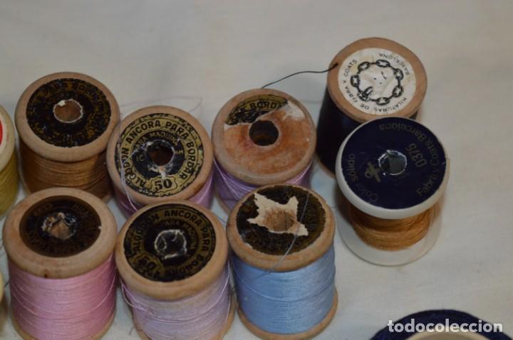 Antigüedades: Antiguas / Vintage - Lote BOBINAS de HILO variadas / Para coser, bordar, ojalar y otras ¡Mira fotos! - Foto 17 - 235933315