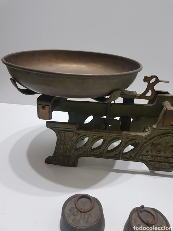 Antigüedades: ANTIGUA BALANZA DE ULTRAMARINOS CON PESAS - Foto 2 - 236097620