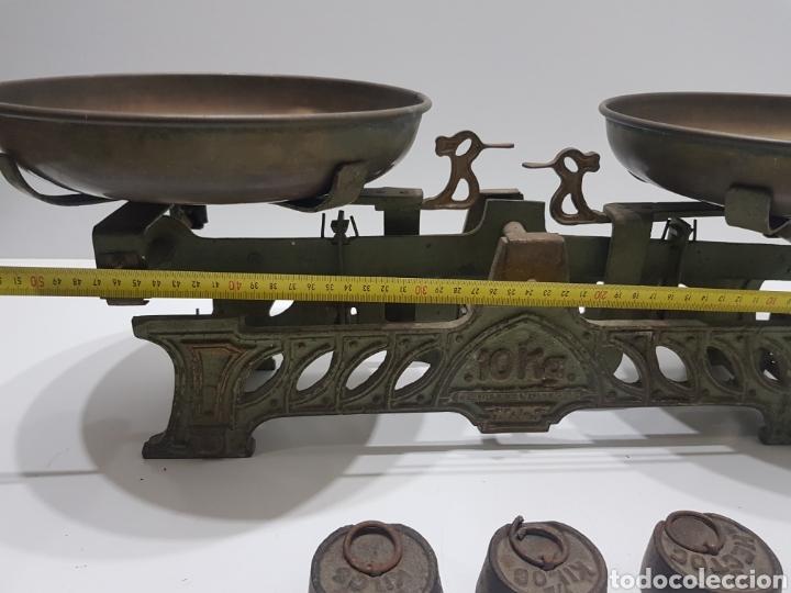 Antigüedades: ANTIGUA BALANZA DE ULTRAMARINOS CON PESAS - Foto 26 - 236097620