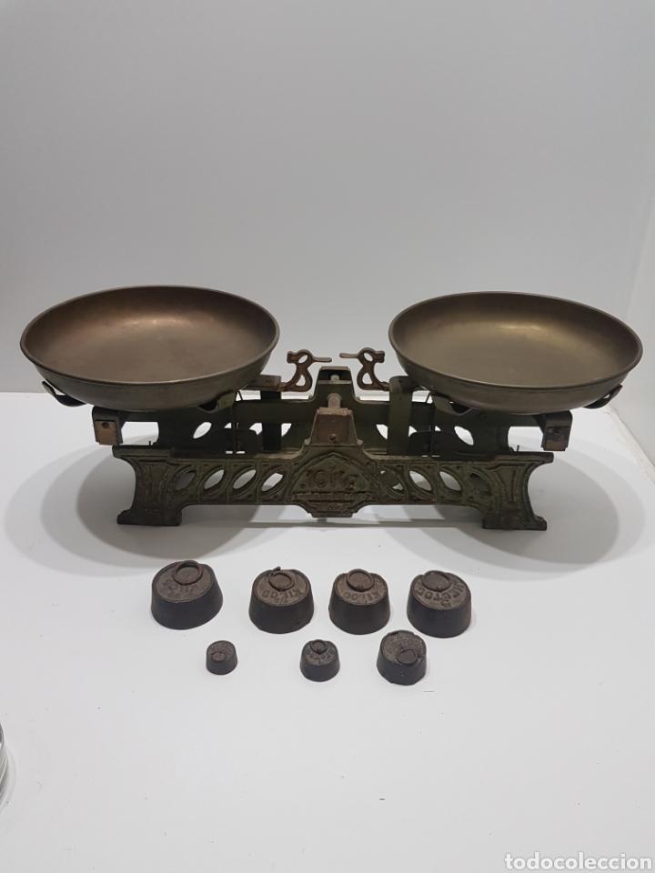 ANTIGUA BALANZA DE ULTRAMARINOS CON PESAS (Antigüedades - Técnicas - Medidas de Peso - Balanzas Antiguas)