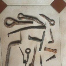 Antigüedades: CLAVOS, PASADORES, TIRADOR ETC..HIERRO FORJA ANTIGUA.. Lote 236215150