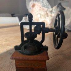 Antigüedades: MOLINILLO DE CAFÉ. Lote 236250815