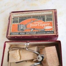 Antigüedades: MÁQUINA PARA CORTAR EL PELO ANTIGUA - HAIR CLIPPER EN SU CAJA Y CON ACCESORIOS ENVÍO CERTIF 5,99. Lote 235550120