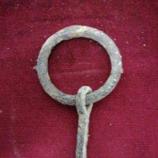 Antigüedades: ANTIGUO GANCHO DE FORJA ENCASTRAR EN FACHADA. Lote 236528090