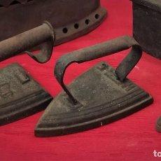Antigüedades: LOTE DE PLANCHAS ANTIGUAS DE HIERRO. Lote 215188413